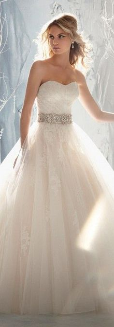 Gorgeous Lace Wedding Dress. #weddingdresses #bridalgowns wedding dress #weddingdress .http://www.newdress2015.com/wedding-dresses-us62_25