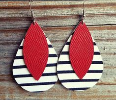 These beautiful, handmade, & super lightweight leather earrings will be such a fun addition to your wardrobe! You will absolutely love wearing them! Sizes: -Small: measure around 1.75 inches tall, and 1 inches wide -Medium: measure around 2.25 inches tall and 1.25 inches wide