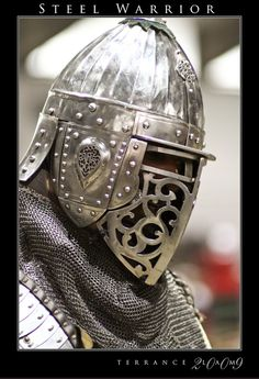https://flic.kr/p/5VuE3E | Steel Warrior | A gorgeous helmet on a knight of the realm.