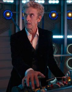 Doctor Who 12, I Am The Doctor, Geronimo, Peter Capaldi Doctor Who, Gorgeous Guys, Beautiful, Doctor Picture, Twelfth Doctor, Casual Cosplay