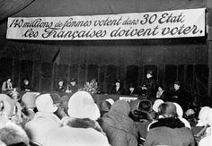 Madame Avril de Sainte-Croix présidant la première séance des Etats généraux du féminisme. Paris (IXe arr.), salle des ingénieurs civils, rue Blanche, février 1929 © Roger-Viollet