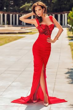 Long dress red sequined tulle R . Atmosphere Fashion, Fashion Face, Womens Fashion, Sexy Dresses, Formal Dresses, Red Carpet Gowns, Fancy Schmancy, Tulle, Glamour