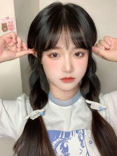 Korean Makeup Look, Kawaii Hairstyles, Pretty Korean Girls, Uzzlang Girl, Aesthetic Girl, Woman Face, Girl Pictures, Pretty Woman, Asian Beauty