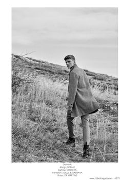 Dominik and Dan of WAM Models showcase military-inspired style with a new story for Risbel magazine. The duo takes to the outdoors… Neutral Color Scheme, News Stories, Hugo Boss, Fields, Dan, Editorial, Magazine, Fashion Outfits, American