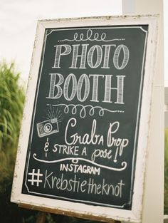 A Instagram photo booth provided extra entertainment. Vintage Furniture: 2hands studios