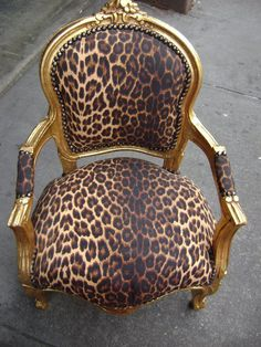 Love the leopard print.....no gold paint!