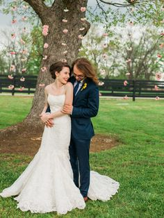 #EnzoaniRealBride Briana in Dakota wedding dress / Andrew Morton Photography