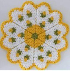 Netten guzel bi model isteğe g Irish Crochet, Crochet Shawl, Knit Crochet, Basic Hand Embroidery Stitches, Crochet Stitches, Craft Bags, Baby Knitting Patterns, Floral Motif, Doilies