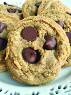 Healthy Ways to Cook peanut butter blossom flourless cookies only in kios melati recipes ideas Peanut Butter Blossom Cookies, Butter Chocolate Chip Cookies, Chocolate Peanut Butter, Chocolate Chips, Cookie Recipes, Dessert Recipes, Desserts, Graduation Food, Sweet Cookies