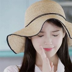 Maldito sea el día en que te conocí. Maldita sea tu sonrisa. Maldita … #fanfic # Fanfic # amreading # books # wattpad Kpop, Korean Girl, Asian Girl, Like U, Moon Lovers, Iu Fashion, Lee Joon, Feel Tired, Meme Faces