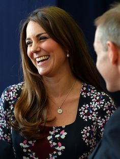 Kate Middleton - Kate Middleton Visits a Primary School 5