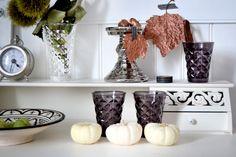Herbstdeko mit Kürbissen  #herbstdeko, #pumpkin, #white, #lenebjerre, #tinek