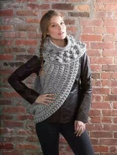Bulky crochet patterns are perfect for winter! Plus, projects that are made with thick yarn are super quick to crochet, like this District 12 Cowl Wrap. Inspired by the hot movie trilogy The Hung Poncho Crochet, Crochet Wrap Pattern, Crochet Scarves, Crochet Yarn, Crochet Clothes, Hand Crochet, Ravelry Crochet, Crochet Sweaters, Crochet Gratis