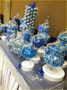 Silver and blue wedding decorations 00251