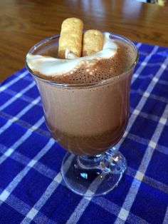 Anyone else feel like Monday's kicking their butt?🙋♀️ Let's turn it around with this S'mores Coffee With Maple-Marshmallow Cream! Coconut Drinks, Coconut Recipes, Paleo Recipes, Real Food Recipes, Coconut Oil Coffee, Coconut Cream, Coconut Flour, Libertyville Illinois, Marshmallow Cream