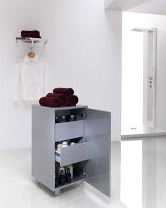 Carrito de ropa con puerta (apertura izquierda o derecha) y cajones, en distintos colores y acabados.