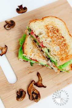 Crispy Mushroom Avocado Sandwich w/Chipotle Aioli (vegan, gluten-free) - Easy to prep ahead of time and assemble when needed! | Vegetarian Gastronomy www.Vegetariangastronomy.com