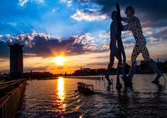Molecule Man - Spree  Berlin the Place to be.  Perfect Sunset.