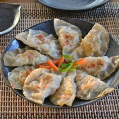 Pot stickers can be found when eating at a Chinese restaurant. This chicken pot sticker recipe consists of ground chicken meat and a mixture of vegetables. Chicken Pot Stickers Recipe, Chicken Recipes, Homemade Dumplings, Dumpling Recipe, Asian Recipes, Healthy Recipes, Ethnic Recipes, Asian Foods, Vietnamese Recipes