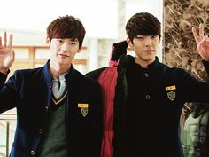 School 2013 /  Lee Jong Suk (Go Nam Soon) / Kim Woo Bin (Park Heung Soo). Love their relationship!