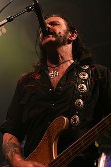 "Ian Fraser ""Lemmy"" Kilmister (* Dezember 1945 in Stoke-on-Trent, Staffordshire, England; † Dezember 2015 in Los Angeles, Kalifornien) :-(((((( Stoke On Trent, Lemmy Kilmister, 80s Heavy Metal, Rock And Roll Bands, Rock Artists, Music Lyrics, Rock Music, Hard Rock, Singer"
