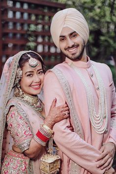 Neha Kakkar and Rohanpreet Singh Romantic Couples Photography, Indian Wedding Couple Photography, Indian Wedding Bride, Wedding Couple Photos, Bridal Poses, Bridal Photoshoot, Neha Kakkar Dresses, Night Wedding Ceremony, Cute Couple Images