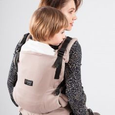 Isara The One Carrier ? Groeit mee met je kindje | Draagzak.nl Sling Backpack, Leather Backpack, Scarlet, The One, Bags, Fashion, Handbags, Moda, Leather Backpacks