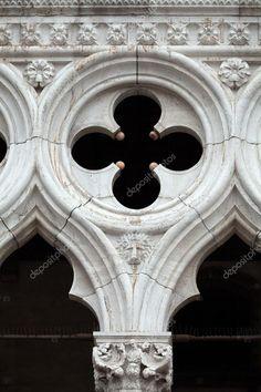 Венеция - ажурное из дворца Дожей, один из символов Венеции — стоковое изображение Rose Window, Gothic Architecture, Quatrefoil, Doge, Geometry, Venice, Facade, Medieval, Artworks