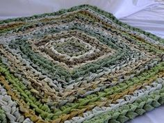 square rag rugs how to make - Google Search