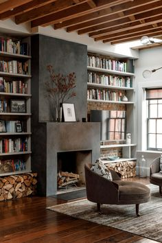 Home Interior Plants Inside Actor Maura Tierneys Reinvented West Village Town House.Home Interior Plants Inside Actor Maura Tierneys Reinvented West Village Town House Architectural Digest, West Village, Living Room With Fireplace, Living Room Decor, Living Room With Bookshelves, Cool Living Room Ideas, Fireplace With Bookshelves, Living Room Brown, Living Room Shelving
