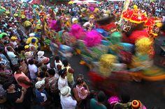 Carnaval en  Brasil. La tradición afro-indígena es una de las más antiguas del estado de Pernambuco. La ciudad de Nazare da Mata, en el estado de Pernambuco del noreste de Brasil, es considerada la cuna del maracatu, una danza de ritmo frenético y origen africano que caracteriza al peculiar carnaval de la zona.