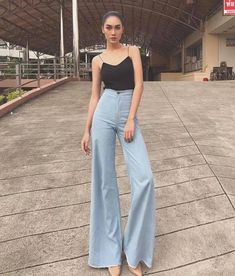 Women's High Waisted Vintage Jean Denim Big Flare Wide Leg Long Pants fashion style All sizes. - Women's High Waisted Vintage Jean Denim Big Flare Wide Leg Long Pants fashion style All sizes. Women's High Waisted Vintage Jean Denim Big Flare W. 70s Outfits, Outfits Damen, Jean Outfits, Vintage Outfits, Summer Outfits, Fashion Outfits, Cute Casual Outfits, Grunge Outfits, Vintage Jeans