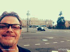 "Eddie Izzard's, photo,""10: 20 вечера в Санкт-Петербурге.  Закат в один час! 10…"" hope those russians appreciate his visit"