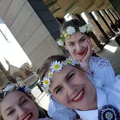 #internationaldanceday fun in #London #lesrahvatants #estonianfolkdance #estoniangirls