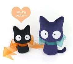 Printable sewing pattern & instructions to make cute Scaredy Cat plush toys in 2 sizes. Perfect for Halloween and stocking stuffers! Materials, finished product are not included. Skill level: Beginner and up  Sew your own precious, handheld-size Cat and Kitten stuffed animals FAST with my detailed photo tutorial! Sewing with my patterns is stress-free; my customers say that my patterns are so easy to understand, that its like taking a class with me. I will walk you through each step in the…