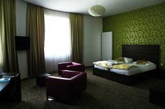Meine wunderbare Zimmerflucht in der Rimske Terme in Slowenien  www.ask-enrico.com Hotels, Restaurant, Curtains, Home Decor, Slovenia, Traveling, Blinds, Restaurants, Interior Design
