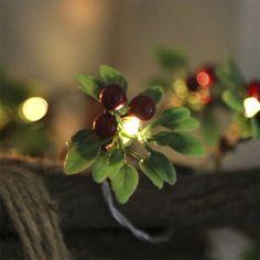 Lichterkette-RED-BERRY-10-LED-Lichter-rote-Beeren-batteriebetrieben-Weihnachten