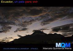 Volcán Imbabura en la madrugada desde Otavalo