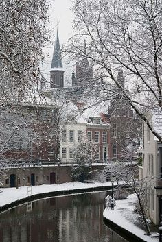 Utrecht The Netherlands :: Oudegracht <---- I would love to visit Holland in the winter! Utrecht, I Love Winter, Winter Time, Snow Pictures, Winter Scenery, Snow Scenes, Belle Photo, The Places Youll Go, Wonders Of The World