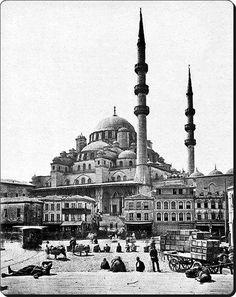 ✿ ❤ Bir Zamanlar İSTANBUL, Eminönü - 1870'ler Fotoğraf : Guillaume Berggren / Natali AVAZYAN (@NataliAVAZYAN) | Twitter
