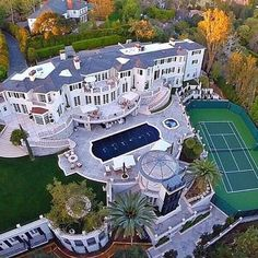 Mansions homes Dream house mansions Rich people lifestyle Mansions luxury Modern mansions House goals Mansion Homes, Dream Mansion, Mansion Plans, White Mansion, Estate Homes, Dream Home Design, My Dream Home, House Design, Mega Mansions