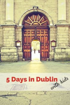 5-Days in Dublin, Ireland With Kids. With this family travel Itinerary for Dublin you will be able to explore the pubs, museums and take walks in the city of Dublin and the Irish countryside while learning all about Irish history, and Irish culture. #VisitIreland #DublinWithKids