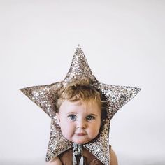 Cute baby star hat, from Lamb Loves Fox Cute Kids, Cute Babies, Baby Kids, Little People, Little Ones, Star Costume, Decoration Christmas, Advent, Baby Costumes