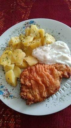 Vasi pecsenye fokhagymamártással Croatian Recipes, Hungarian Recipes, Pork Recipes, Cooking Recipes, Healthy Recipes, Eastern European Recipes, Hungarian Cuisine, Healthy Meal Prep, Special Recipes