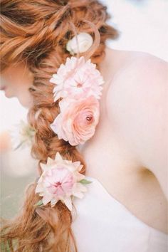 Imagen de hair, flowers, and hairstyle