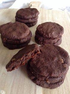 Bolachas de batata doce e chocolate (saudáveis, nutritivas e energéticas; sem açúcar) Ideais para os lanchinhos fora de casa, são fací...