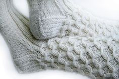Valkoiset villasukat + ohje