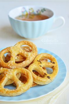 Onion Rings, Waffles, Bakery, Cheddar, Clean Eating, Food And Drink, Breakfast, Ethnic Recipes, Essen