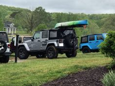Hitchmount-Rack at Annual Jeeps in the Vines – Mission Systems LLC Kayak Rack, Jeep Stuff, Jeep Life, Adulting, Jeeps, Kayaking, Vines, Jeep, Kayaks