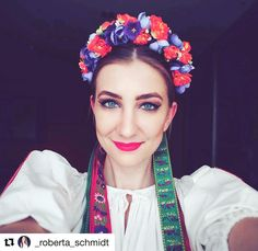 Jednoducho krásne #praveslovenske  @_roberta_schmidt   #slovensko #folklore #folklor #cifer #folk #slovakia #parta #folkdress #kroj #dress #ornaments #traditions #tradicie #traditional #folkart #folkstyle #girl #beauty